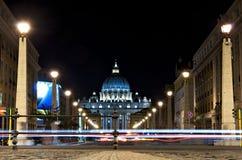 st peter s ночи базилики Стоковая Фотография