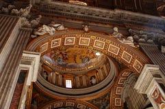 st peter s собора нутряной Стоковая Фотография