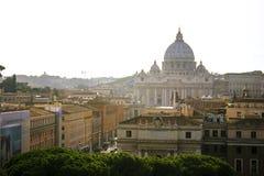 St Peter ` s Basiliek in de Stad van Vatikaan Stock Foto's