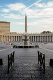 St Peter ` s kwadrat z widokiem obelisku obrazy stock