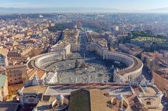 St- Peter` s Quadrat in Vatikan und in der Vogelperspektive der Stadt, Rom, Italien Stockfotografie