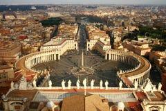 St- Peter` s Quadrat von der Vatikanstadt Lizenzfreie Stockfotografie