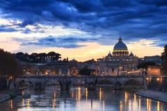 St Peter sob nuvens escuras Fotos de Stock Royalty Free