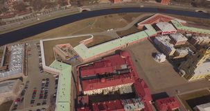 St Peter und Paul Fortress, St- Petersburgfrühling sonnig stock footage