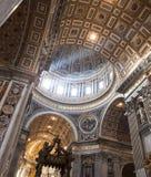 St Peter& x27; s Basiliek - de Stad van Vatikaan, Rome, Italië Stock Fotografie