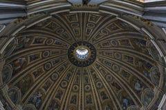 St Peter & x27; s-basilika Arkivbild