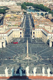 St Peters придает квадратную форму (и Рим) сверху, антенна Ватикана Стоковые Фото