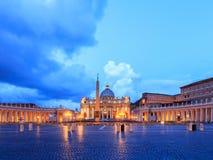 St. Peters Basilica en la Ciudad del Vaticano Foto de archivo libre de regalías