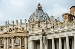 Free St Peters Basilica Viewed From The Square Royalty Free Stock Photos - 163945328