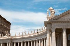 St Peters bazyliki watykan z niebieskim niebem Obraz Stock