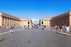 St Peters Square i Vatican City Royaltyfri Bild