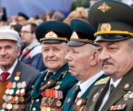St Petersbourg /RUSSIA - 9 mai : Le vieux vétéran de WWII décorent Photo libre de droits