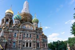St Petersbourg, Russie - juin, 22,2018 : Rénovez l'église du sauveur sur le sang renversé photos libres de droits