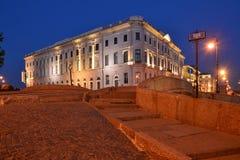St Petersburg övreSwanbro Arkivfoto