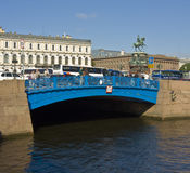 St. Petersburg, błękita most Fotografia Royalty Free