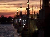 St. Petersburg bij nacht Stock Afbeeldingen