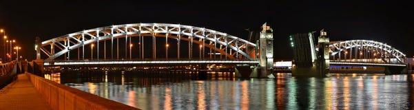St Petersburg bro Peter storen Royaltyfria Foton