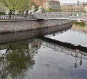 St Petersburg, canal de Griboyedov Pont de Lviny (lion) Photographie stock libre de droits