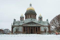 St Petersburg Cathédrale du `s d'Isaac de saint Musées de St Petersburg L'hiver Russie Architecture des villes russes images libres de droits