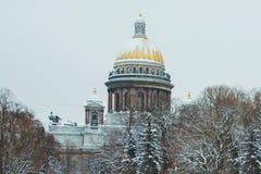 St Petersburg Cathédrale du `s d'Isaac de saint Musées de St Petersburg L'hiver Russie Architecture des villes russes image stock
