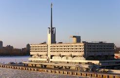 St Petersburg, construcción de Marine Station (puerto marítimo) en puerto Rusia Foto de archivo