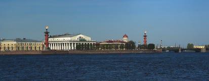 St Petersburg Cuspe do panorama de Vasilyevsky Island Fotos de Stock Royalty Free