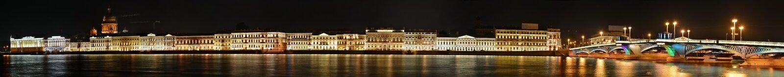 St Petersburg den engelska invallningen Arkivfoton