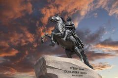 St Petersburg die Reiterstatue von Peter der Große, bekannt als der Bronzereiter Stockbilder
