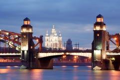 St Petersburg em a noite fotografia de stock