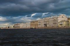 St Petersburg, fiume di Neva Immagini Stock