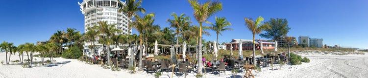 ST PETERSBURG FL, LUTY, - 2016: Panoramicznego widoku St Pete plaża obrazy stock