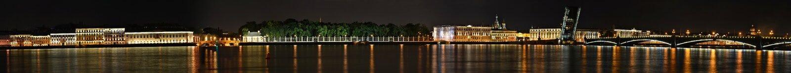St Petersburg floden Neva Royaltyfri Bild