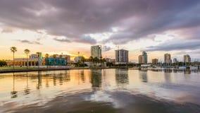 St Petersburg, Florida, orizzonte di U.S.A. stock footage