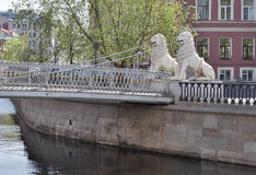 St Petersburg, Griboyedov kanał Lviny (lew) most zdjęcie royalty free
