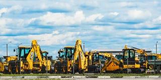 St Petersburg 08 18 2018 Il trattore per la pulizia delle vie fotografie stock