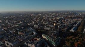 St Petersburg St Isaac Cathedral, ruas e canais da opinião do ar da água vídeos de arquivo