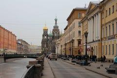 St. Petersburg. Kościół wybawiciel na krwi, widok od Griboedov kanału. Obraz Royalty Free