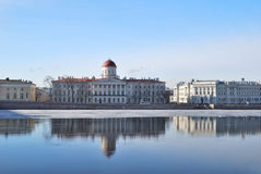 St Petersburg. Malaja Neva Damm Lizenzfreie Stockfotos