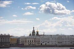 St. Petersburg mening van Neva Stock Afbeeldingen