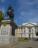 St. Petersburg, Mikhaylovskiy Engineer castle and monument to ki Royalty Free Stock Photos