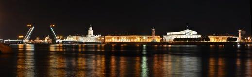 St Petersburg Neva flod Arkivbilder