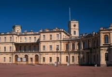St Petersburg, palazzo di Gatchina Quadrato del palazzo e l'entrata principale Fotografie Stock