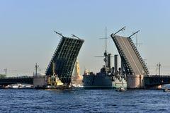 St Petersburg Passagem do cruzador Fotografia de Stock