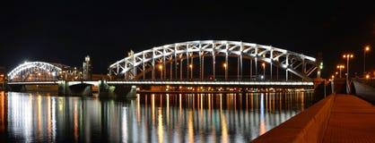 St Petersburg Peter den stora bron Arkivfoton