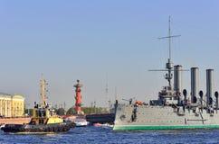 St Petersburg Przejście krążownik Zdjęcia Royalty Free