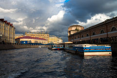 St Petersburg, río de Neva Fotos de archivo