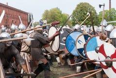 St Petersburg, Rússia - 27 de maio de 2017: Reconstrução histórica da batalha de Viking em St Petersburg, Rússia Fotos de Stock