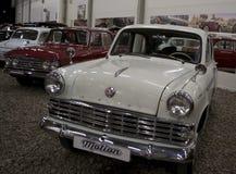 ST PETERSBURG, RÚSSIA o 25 de janeiro de 2015 Exposição de carros do vintage Fotos de Stock Royalty Free