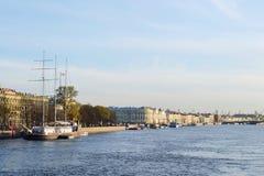 St Petersburg, remblai d'Amirauté Photographie stock