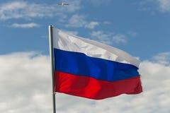 St Petersburg Rosja, Czerwiec, - 28, 2017: Flaga Rosja w wiatrze w St Petersburg Fotografia Royalty Free